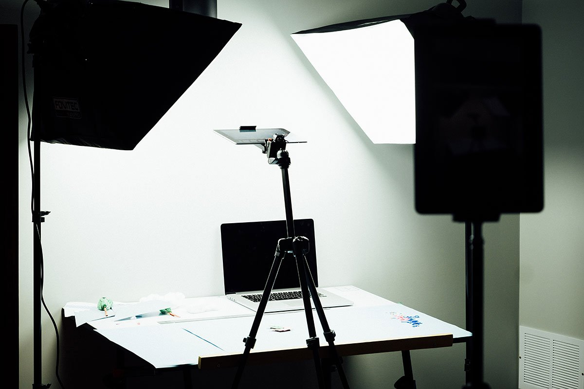 Softboxes are used by professional photographers, streamers and YouTubers