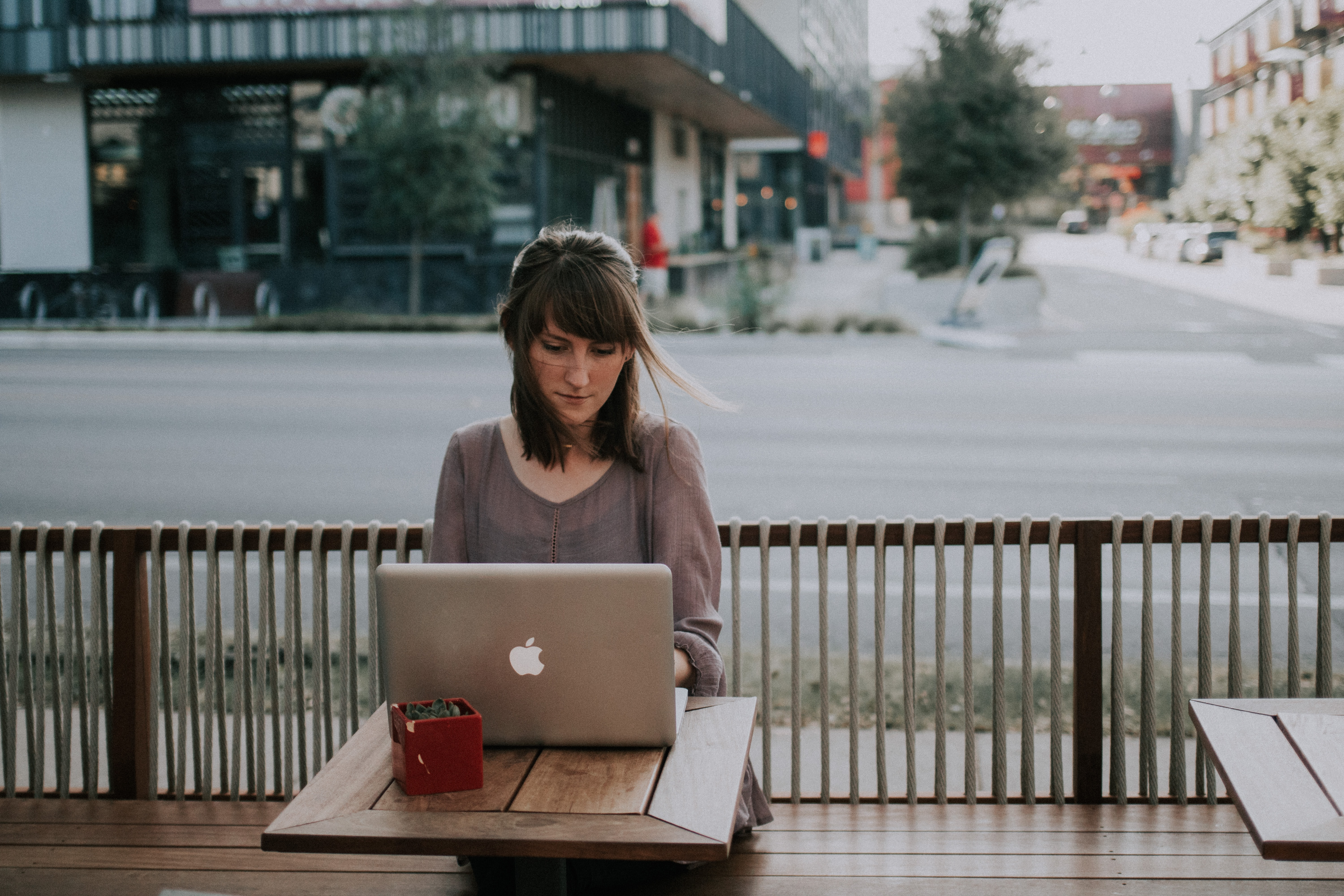 Everything freelancers need to know about finding clients on twitter